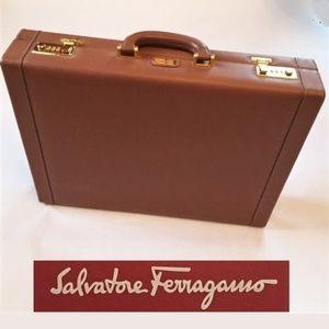 SALVATORE FERRAGAMO men's briefcase, brown